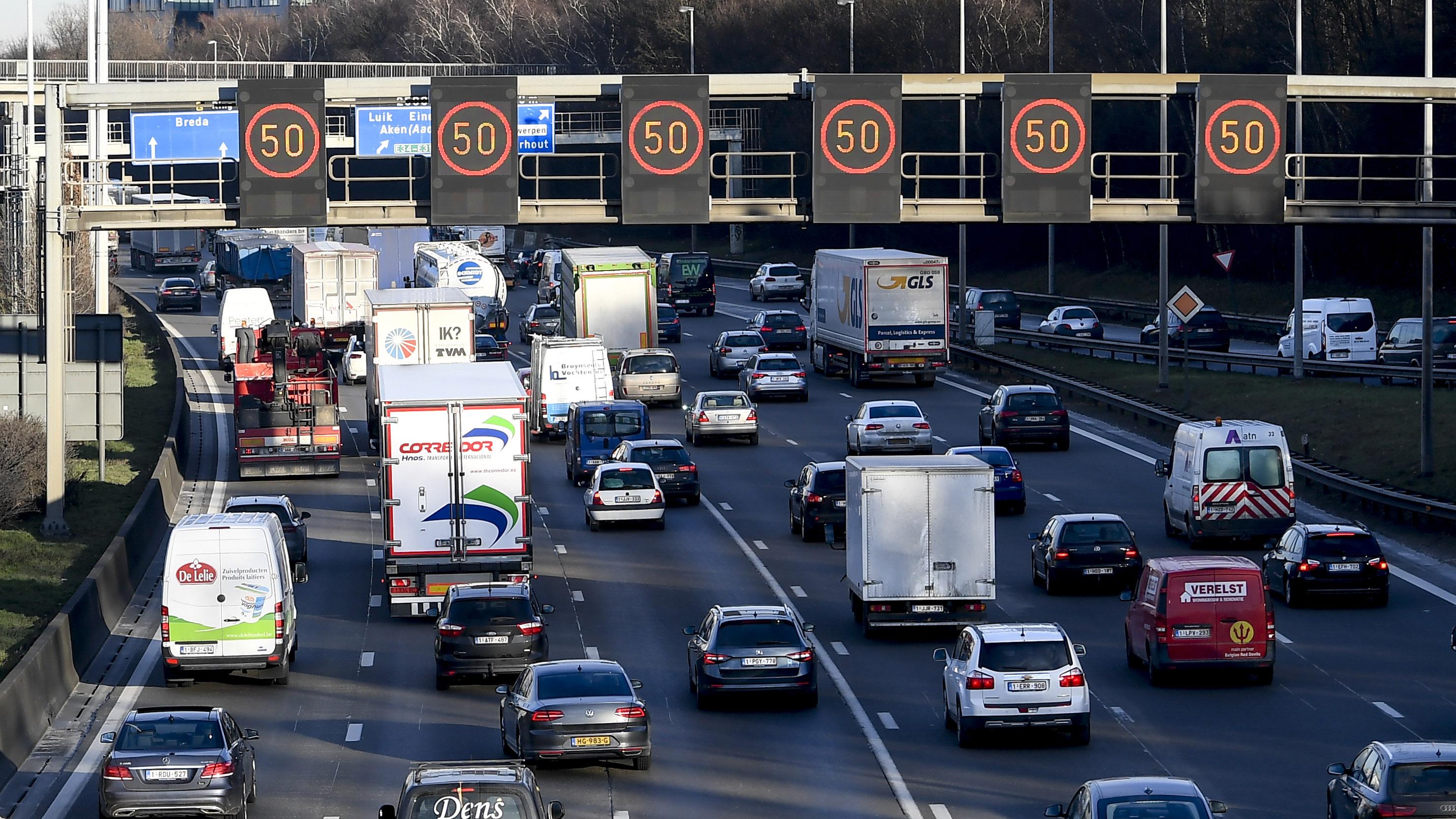 Straks kilometerheffing op alle Vlaamse wegen?